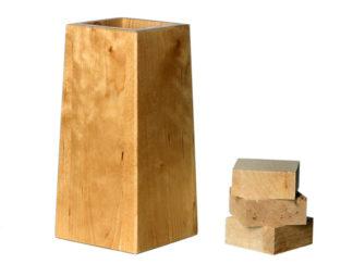 Møbelkloss i tre