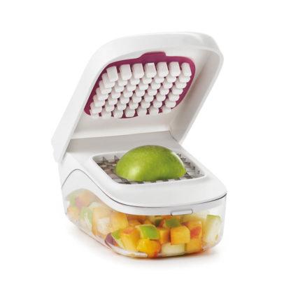 OXO frukt og grønnsakskutter med eple